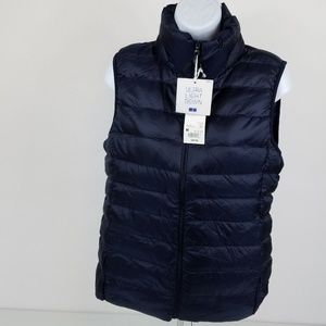 Uniqlo Womens Ultra Light Down Vest Size Medium
